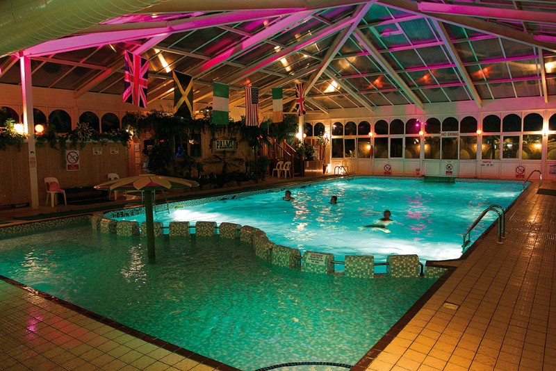 Potters resort - Hotels with swimming pools in norfolk ...